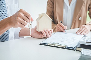 Woman filing for fixed mortgage rate