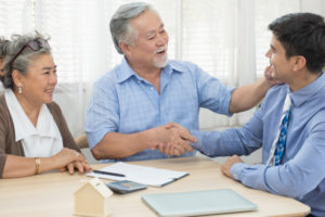 the appraiser meets the homeowners before the home appraisal